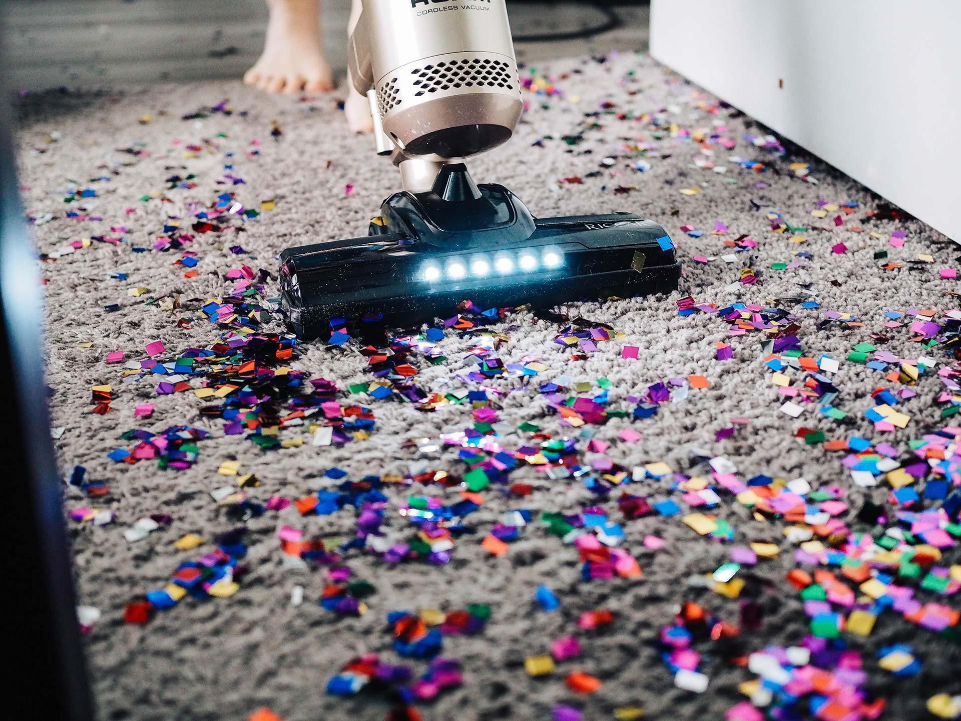 vacuum-glitter-1