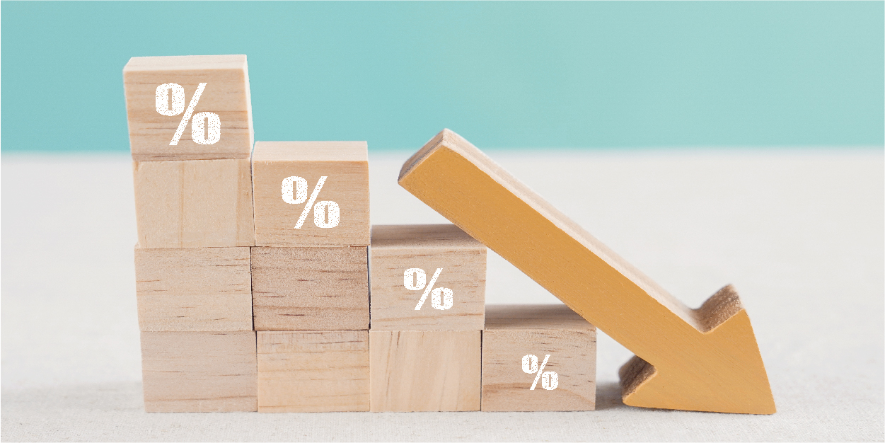 wooden-blocks-with-percentage-sign-down-arrow-financial-recession-crisis-interest-rate-decline-investment-reduce-concept_Botkeeper